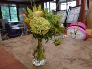造園緑化ゼミ室に飾られた花