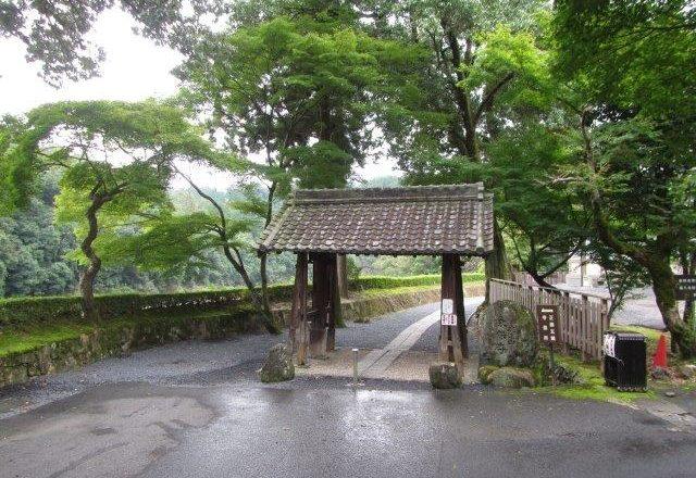虎渓山永保寺の山門