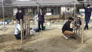 造園コースのの学生ら